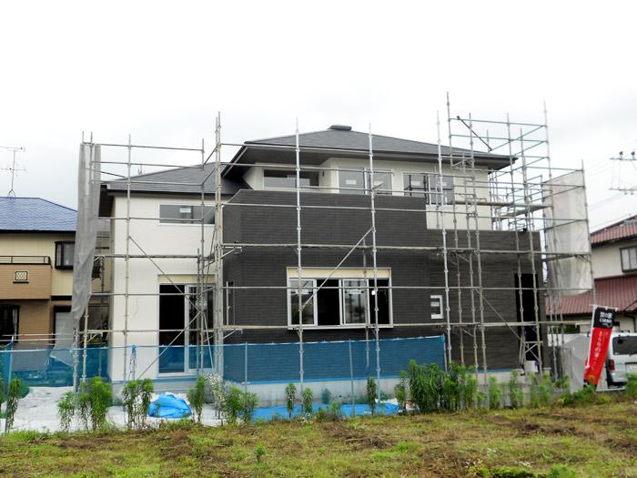 1ヤマックスの家-カーボ炭の家-外壁工事.jpg