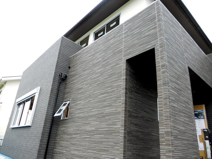 3ヤマックスの家-カーボ炭の家-外壁工事.jpg