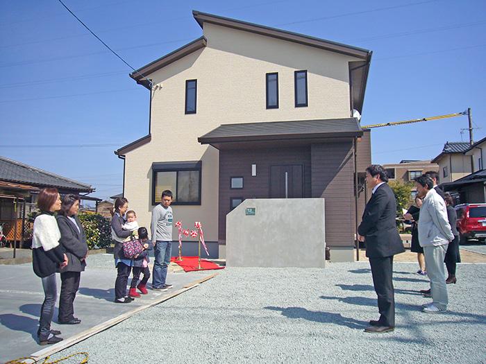 ヤマックス炭の家-菊陽町新山M様引き渡し式1